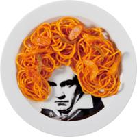 ベートーベンの頭がスパゲッティ!?料理でイメチェンのユーモア食器