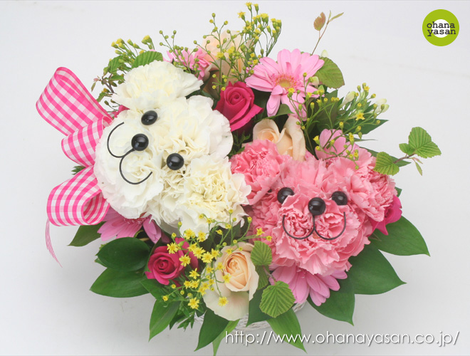 お花で作った微笑むくまさんが可愛すぎる!生花の動物アレンジブーケ