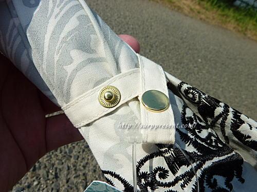 macocca日傘の留め具はボタンタイプ