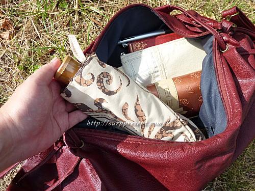 バッグにすっぽり入るコンパクトな折りたたみ日傘