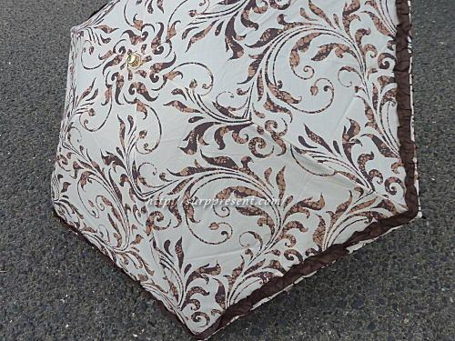 フリル付きつた柄折りたたみ日傘