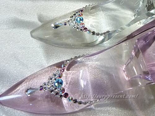 クリスタルガラスで高級感のあるガラスの靴